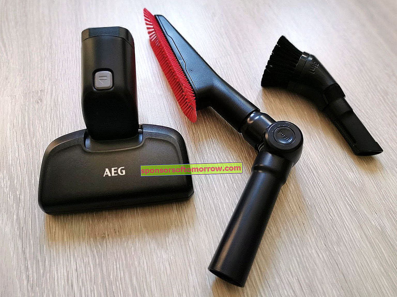 AEG FX9 vacuum cleaner accessories