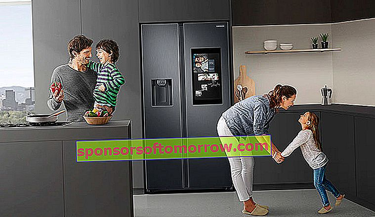the key features of Samsung Family Hub connected fridges family functions display