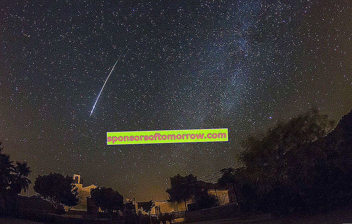 Tips and tricks for taking photos with your mobile of the Perseid meteor shower