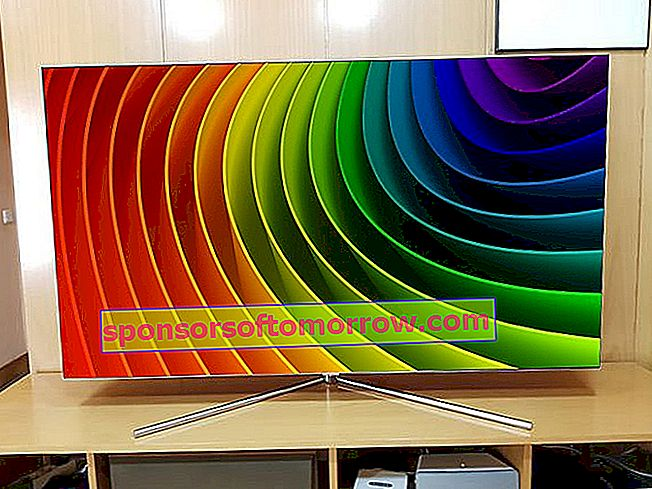 Samsung-QLED-Q7F-65 colors and curves