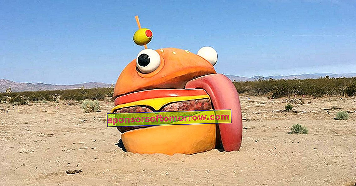 The giant Fortnite hamburger that ended up in the middle of the desert